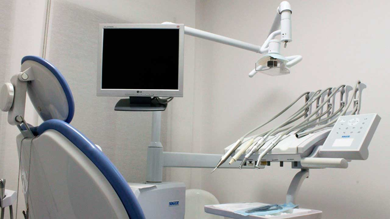Equipment used for giving dental implants at King of Prussia Dental Associates.